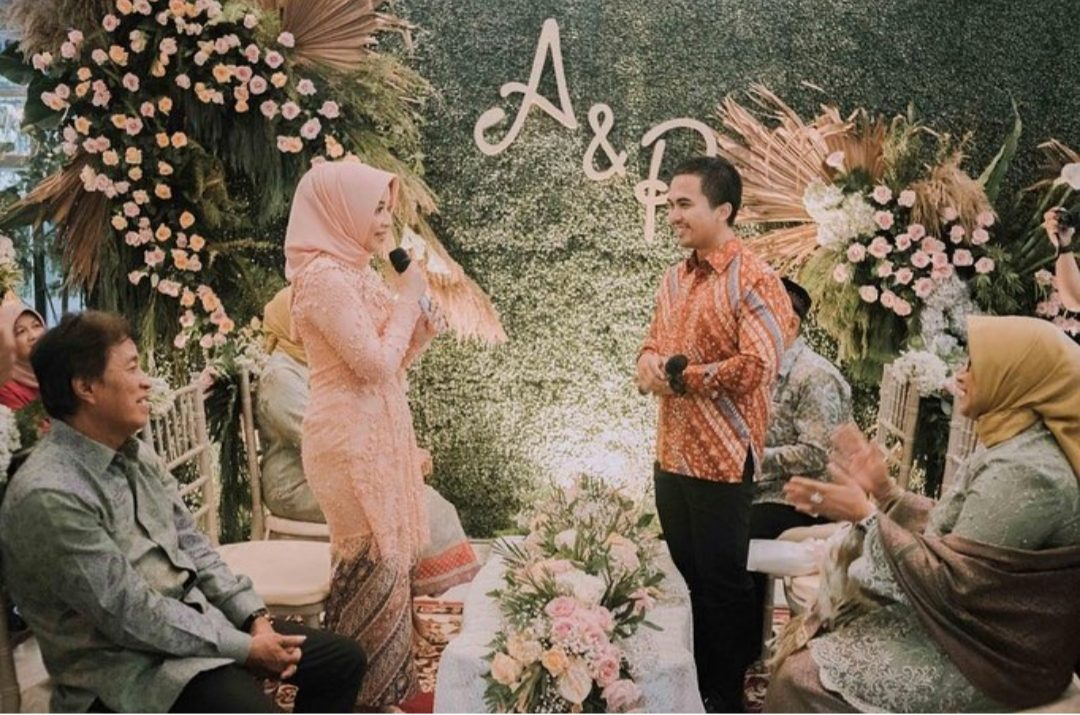 The Engagement of Arini and Patrya